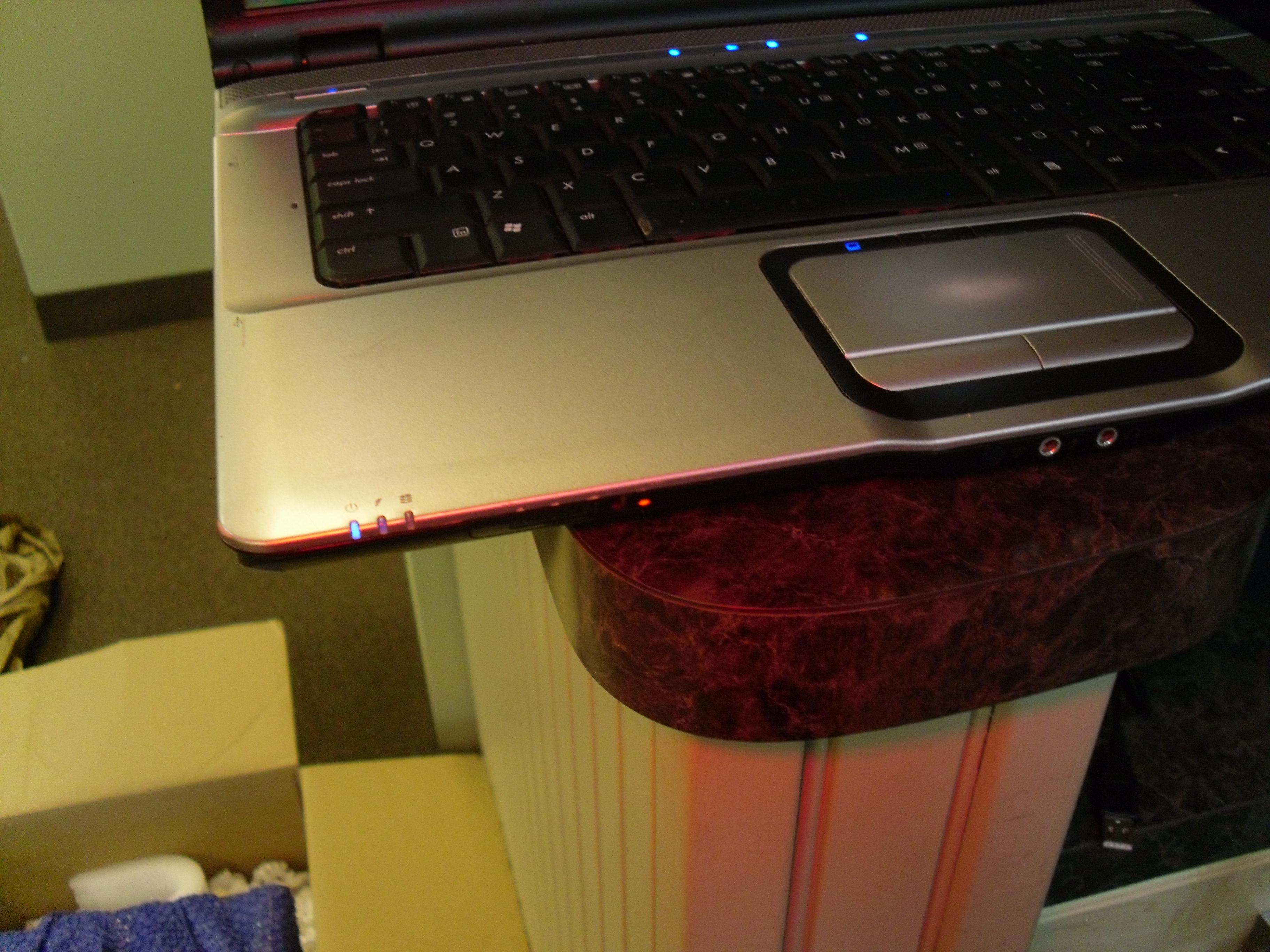 The notorious HP/Compaq Wireless Orange Light of Doom